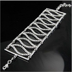 Beautiful 8 Crystal Tears Bracelet