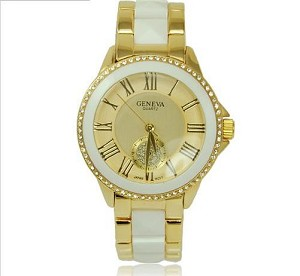 Trendy Crystal Lined Round Watch