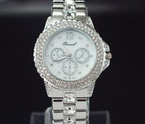 Trendy Crystal Lined Circle Watch